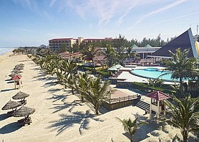 Centara Sandy Beach Resort Danang