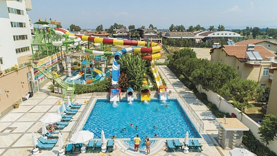 Crystal Waterworld Resort&Spa (3)