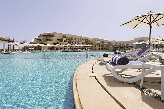 Movenpick Resort Soma Bay (2)