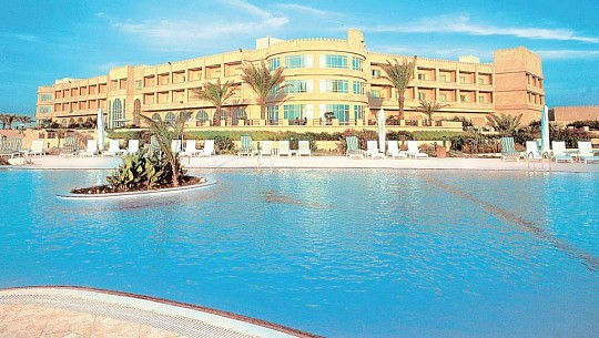 HILTON AL HAMRA BEACH & GOLF RESORT (3)