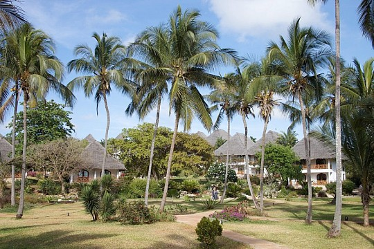 Hotel Bluebay Beach Resort